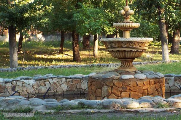 park-aviastroitelej-voronezhskij-zoopark-29