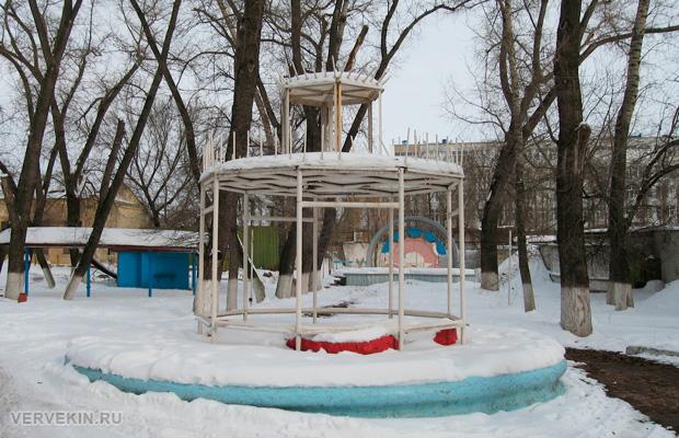 Сквер Тельмана в Воронеже: здесь ставят елку