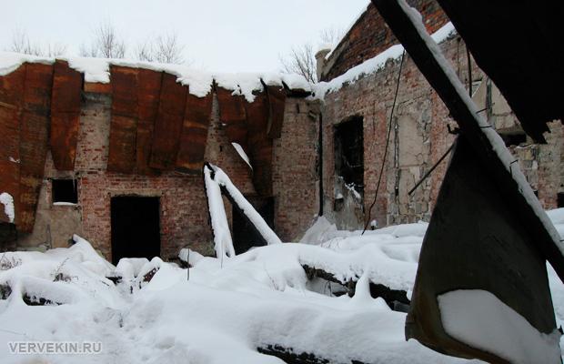 Внутри бывшего клуба