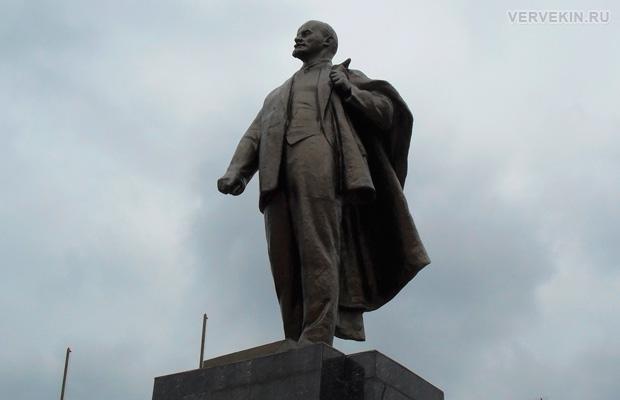 Памятник Ленину, город Россошь