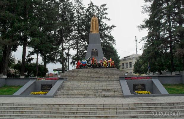 Россошь, памятник Неизвестному солдату