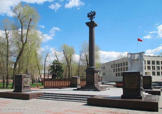 Парк Патриотов: стела Воронеж - город воинской славы