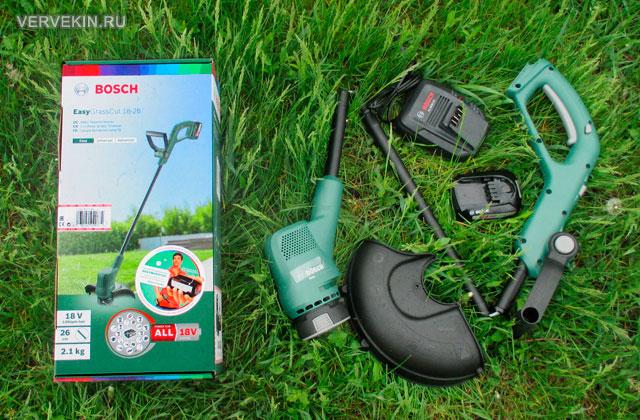 Электрический триммер Bosch EasyGrassCut 18-26 в разобранном состоянии