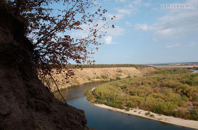 Кривоборье (Воронеж): обрыв высокого берега Дона