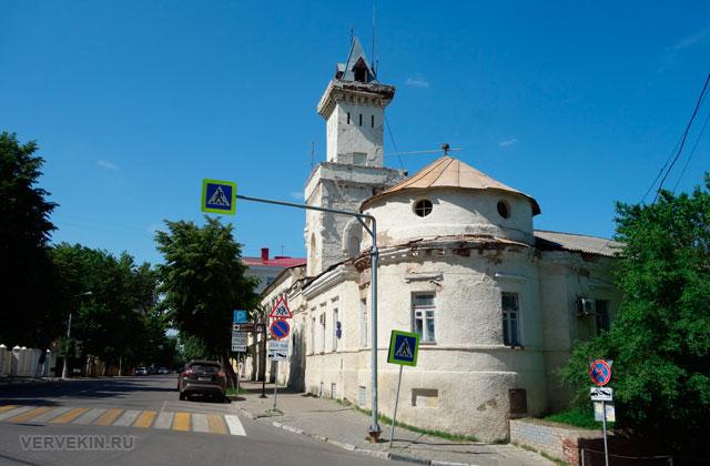 Воронеж: улица Карла Маркса, здание Мещанской полицейской части
